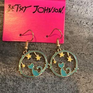NWT!Fantastic cat & stars Betsey Johnson earrings!